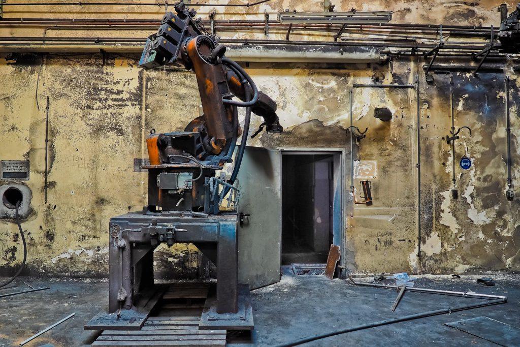 Abandoned industrial robot