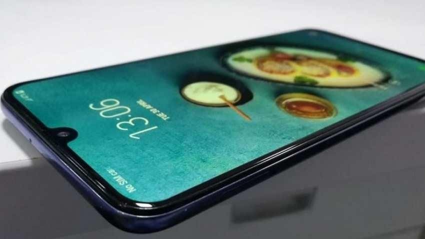 Display of Samsung Galaxy M30s